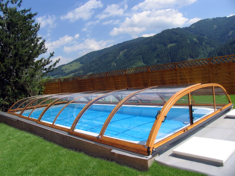 elegant-swimming-pool-enclosure.jpg